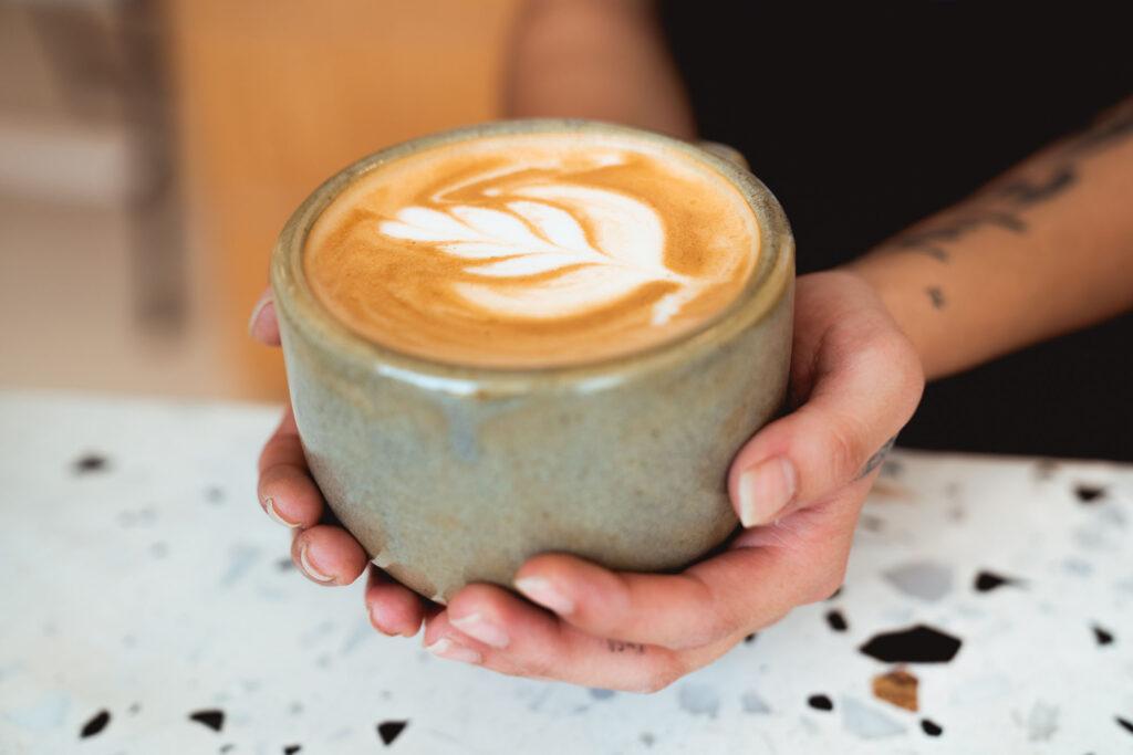 長期攝取咖啡因會發生什麼事?